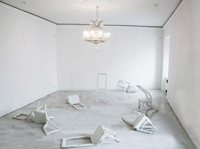 Инсталляция «Le Cercle Ferm?», художники Жан Башамей (Jean Bechameil) и Мартина Фейпель (Martine Feipel)