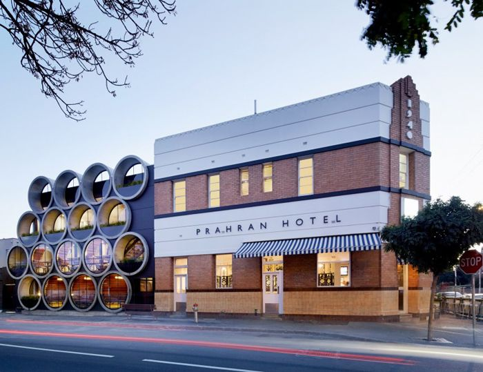 Здание отеля Prahran Hotel, архитектурная студия Techne Architects